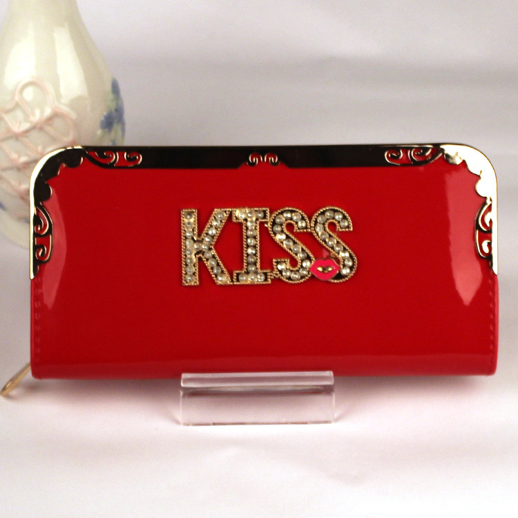 2015 new fashion light PU leather women wallet long kiss chain hand bag zipper wallet with multi-card position(China (Mainland))