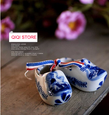 Free shipping holland shoes Small lovely MINI ceramic hand-painted porcelain Dutch clog small decorative children gifts(China (Mainland))