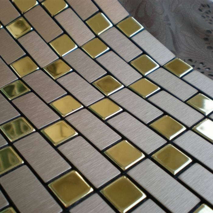 Гаджет  silver mixed golden color, strip self adhesive Aluminum composite panel  bathroom tiles, 11 sq ft/lot None Строительство и Недвижимость