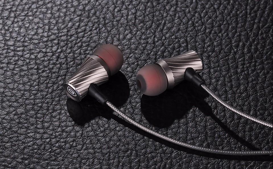 100% Original Earphone QKZ DM3 Luxury Stereo Earphones Headset 3.5mm In Ear Earphone With Mic For iPhone Samsung And MP3 DJ HTC