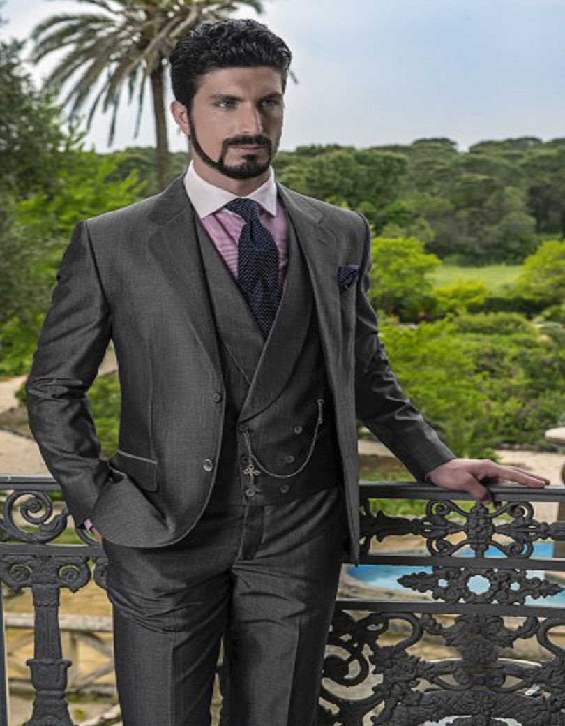Top Selling Three Pockets And Double Breasted Vest Customized Groom Tuxedos Wedding Dinner Suits (Jacket+Pants+Vest)Одежда и ак�е��уары<br><br><br>Aliexpress