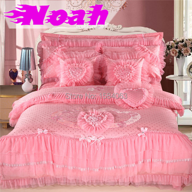 6 piece luxury chinese wedding princess bedding set king queen size lace bed cover heart. Black Bedroom Furniture Sets. Home Design Ideas