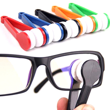 Handle Eyeglass Sun Glasses Microfiber Spectacle Cleaner Clean Wipe Random Color(China (Mainland))