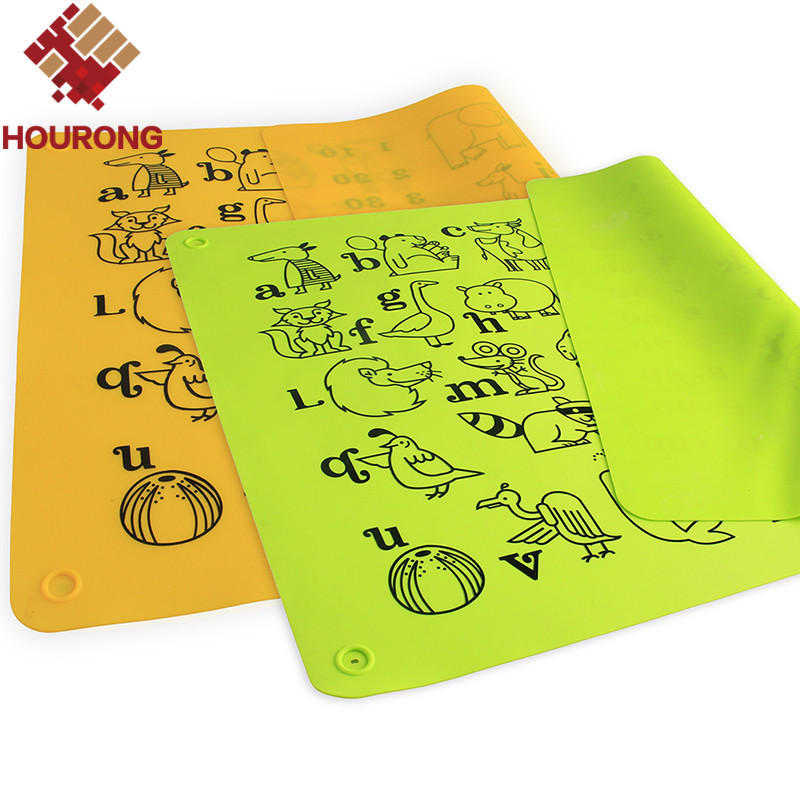 1 Pcs 40*30cm Reusable Baby Dining Table Silicone Placemat Set Green Yellow Adiabatic Placemats With Learning Alphabet Animals(China (Mainland))