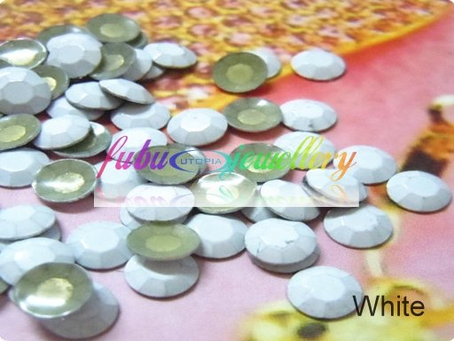 Free Shipping! 2880pcs/Lot, ss20 (5MM in Diameter) Good Quality White Neon Hot Fix Rhinestuds(China (Mainland))