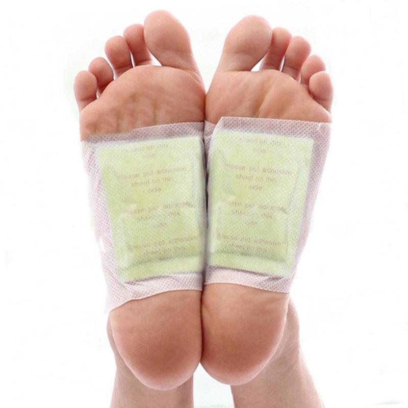 200pcs/lot GOLD Premium Kinoki Detox Foot Pads Organic Herbal Cleansing Patches (100pcs Patches+100pcs Adhesives) 2016 New(China (Mainland))