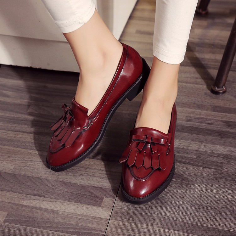 Genuine leather pointed toe Flat Oxford Shoes Woman Flats 2017 Fashion Tassel Brogue Oxford shoes women flats moccasins W12