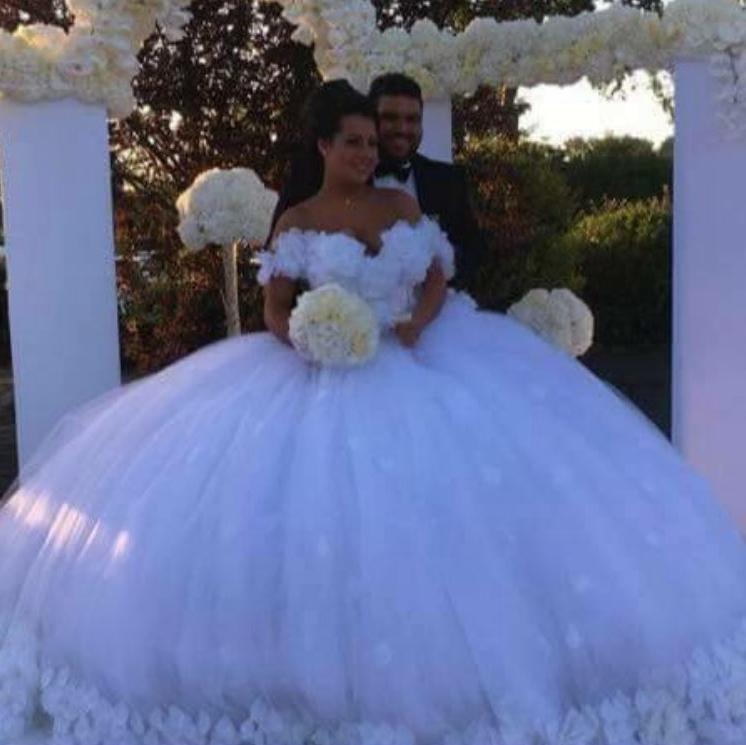 Online buy wholesale big ball gown wedding dresses from for Huge ball gown wedding dresses