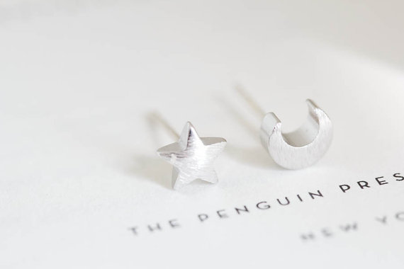 Korean fashion wave of female cute little stars and moon sutd earrings special unique earrings ED020(China (Mainland))