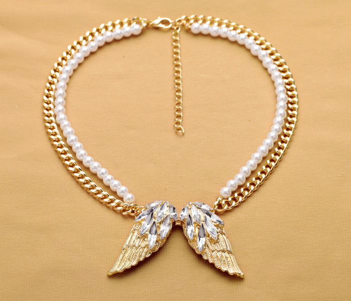 2015 Fashion fashion accessories crystal gold wings short design simulated-pearl sweater necklace(China (Mainland))