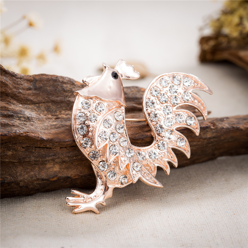 AMOURJOUX Standing Rooster Gold Color With White Rhinestones Brooches Pin For Women Alloy Pins Brooch Fashion Broche(China (Mainland))
