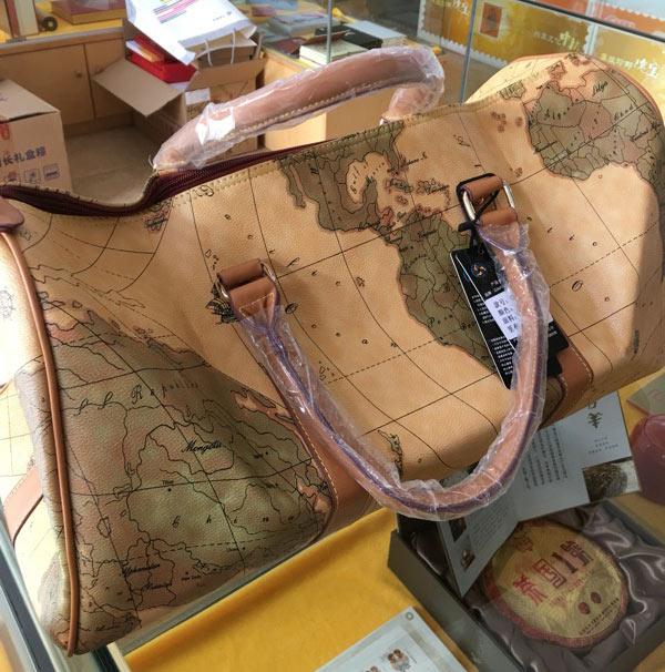 Portable luggage bag bag tide Korean boy map large capacity short distance travel bag fitness travel bag(China (Mainland))