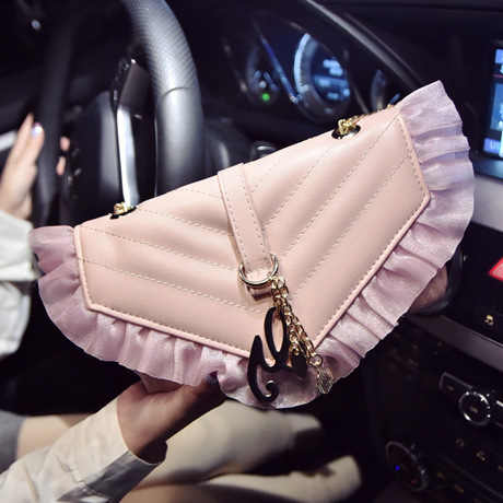 2016 sweet lady lace small bag new spring tide fashion embroidery thread chain shoulder bag<br><br>Aliexpress