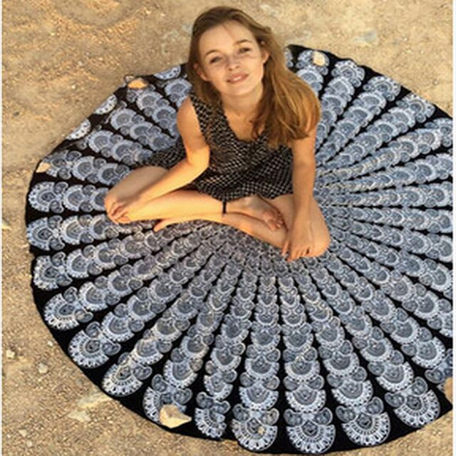 Round Beach Towel With Prints