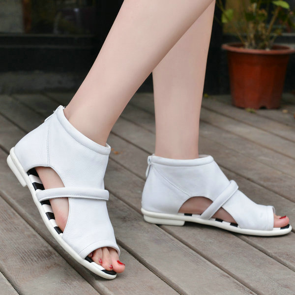 Women Low Heel Sandal Shoes 2016 New Fashion Cut-outs Sandals Platform Summer Shoes Women Black White Gladiator Style Sandals(China (Mainland))