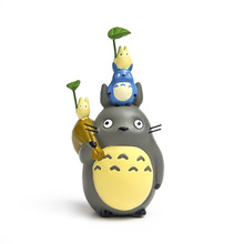 Miyazaki's My Neighor Totoro Blue Leaf Totoro Bag Dust Elf Cute Totoro Resin Figure Craft Toy Model Collection Present