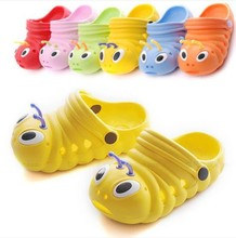 Enfants filles babay enfants mignons pantoufles pour garçon chenille style de bande dessinée animale anti - slip EVA pantoufles de chaussures bébé scandale(China (Mainland))