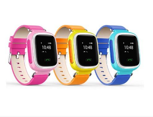 ถูก ร้อนใหม่HQต่อต้านหายไปจีพีเอสติดตามชมสำหรับเด็กSOSฉุกเฉินโทรศัพท์มือถือสมาร์ทApp IOS A Ndroid Smartwatchปลุกสายรัดข้อมือ