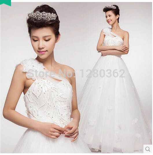 2015 new shoulder wedding dress bridal wedding dress tutu Qi small trailing flowers Bridal Gown(China (Mainland))