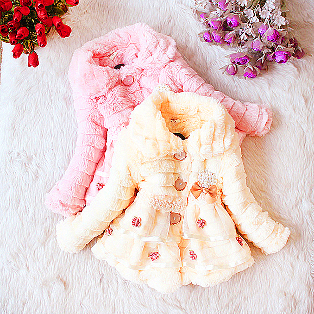 Бесплатная Доставка бренд детской clothing девушки зима 2017 девочка о-образным вырезом верхняя одежда ребенка пальто маленькая девочка кружева одежды