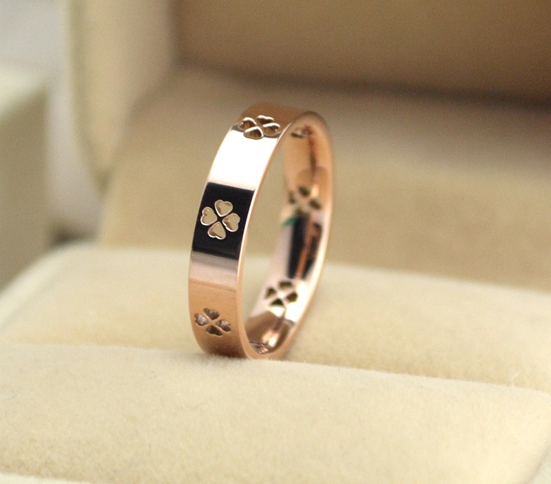 New Fashion Lucky grass ring clover ring female 18K rose gold ring jewelry(China (Mainland))
