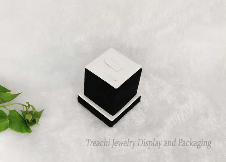 Promotion Jewelry Display Holder for Rings Fine Jewelry Exhibitor Stand Tower in White PU with Black Velvet 5*5*5.5CM(China (Mainland))