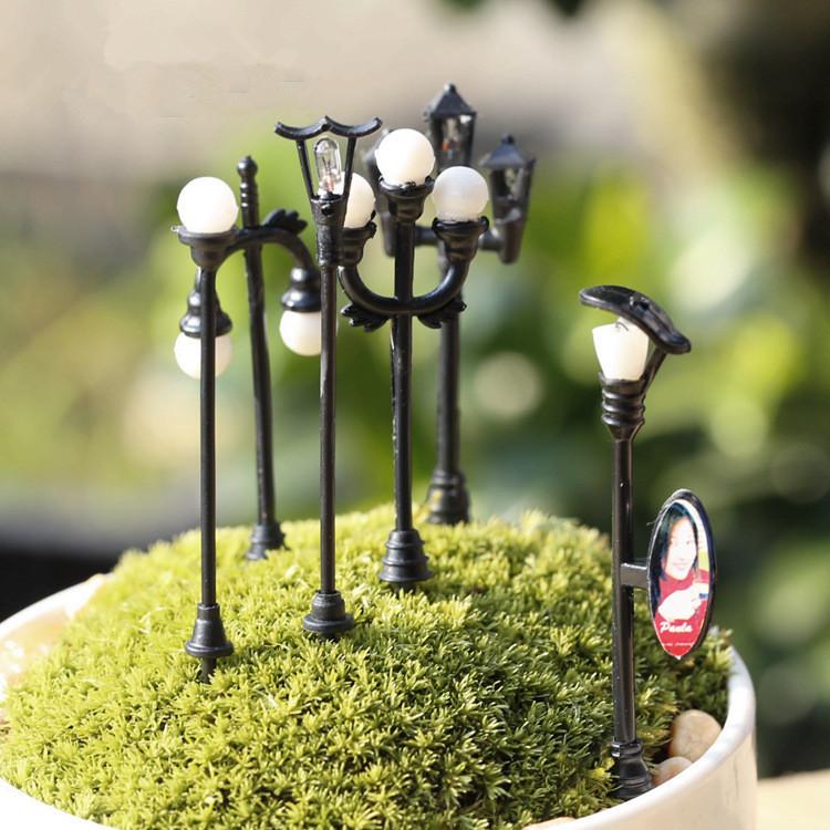 6Pcs Kawaii Zakka E Community Mini Street Lamp Simulation Lamp Diy Handicrafts Flowerpot Bonsai Decor Fairy Garden Miniatures(China (Mainland))