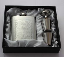 Portable Stainless Steel Hip Flask set 7oz Embossed Flagon Flasks russian Wine beer Whiskey Bottle Pocket 016-001L(China (Mainland))