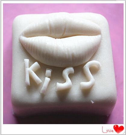 6.6*3.5cm Kiss Cake Mold Silicone Soap Fondant Mold Cooking Tools Confeitaria Soap DIY Mould Cake Decorating Tools(China (Mainland))