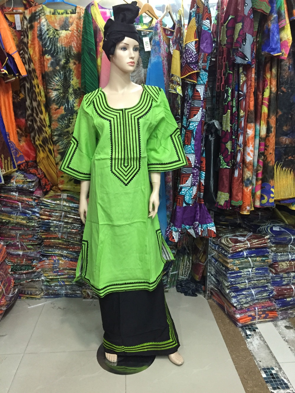 (free shipping) fashion Bazin traditional African cotton embroidery eight dress sleeve cuff robes