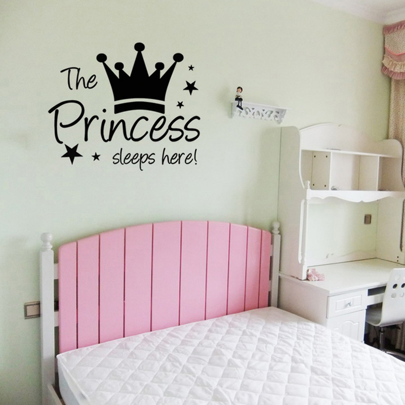 The Princess Sleeps Here Girls Wall Sticker Cute Crown DIY Home Decor Vinyl Wall Decal For Bedroom 59x49cm