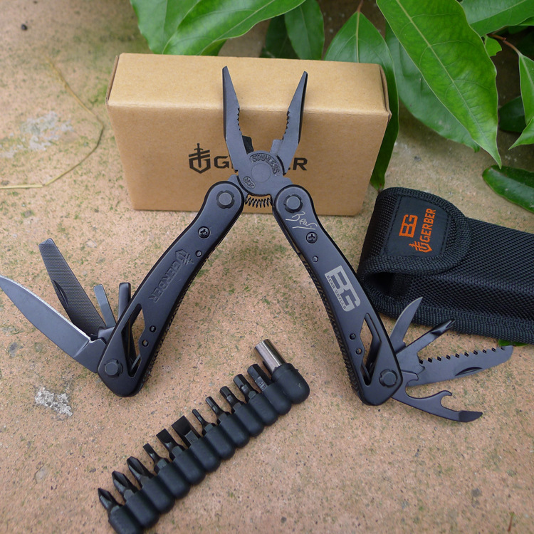 Outdoor Survival Gear Multifunctional Hand Tool Pliers Knife Saw Screwdriver Camping Equipment EDC Stainless Steel Plier(China (Mainland))