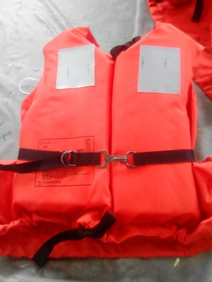 EC/MED Marine Lifesaving Vest SOLAS Adult life jacket foam lifejacket life vest safety life jacket(China (Mainland))