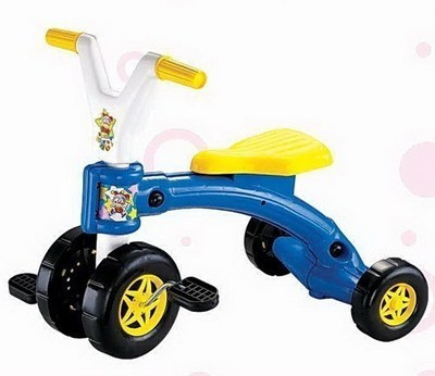 Free Shipping Kid Ride On Car Children's Tricycle Pedal Car Baby Trike,Blue/Red(China (Mainland))