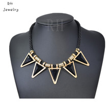 N125 Triangle Sweater Necklace Clavicle Necklace Hot Black Geometrical Triangle Necklace Fashion Jewelry For Women Popular(China (Mainland))