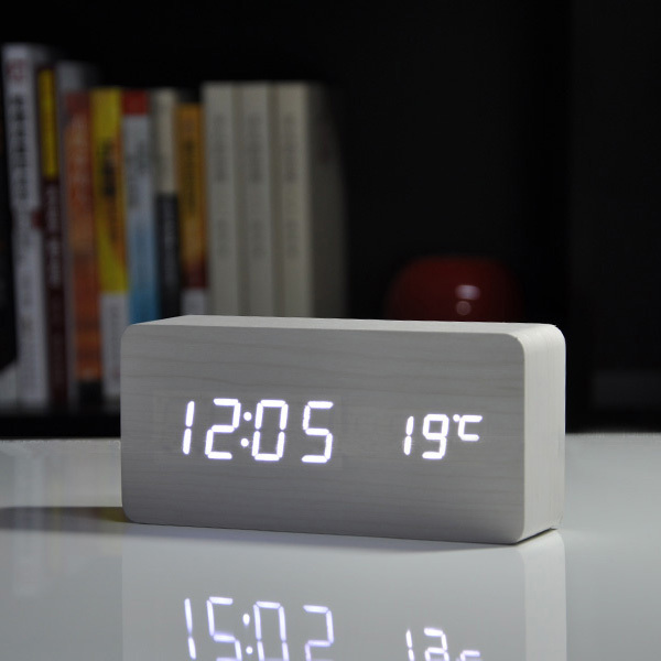 2015 beste high end uhren thermometer wecker led digital voice tischuhr 13. Black Bedroom Furniture Sets. Home Design Ideas