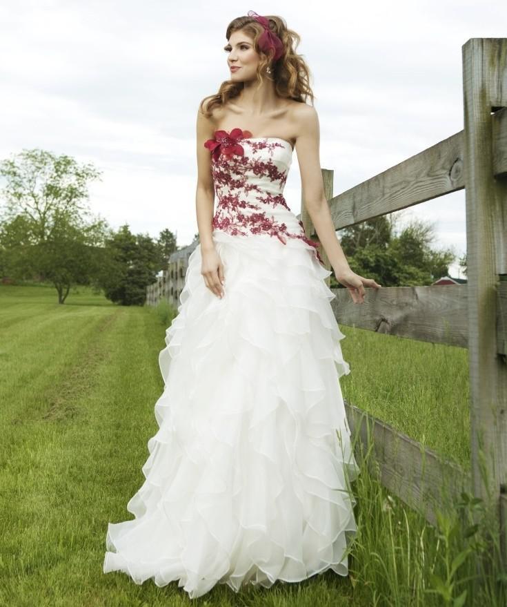Robe de mariee blanche fleur rouge