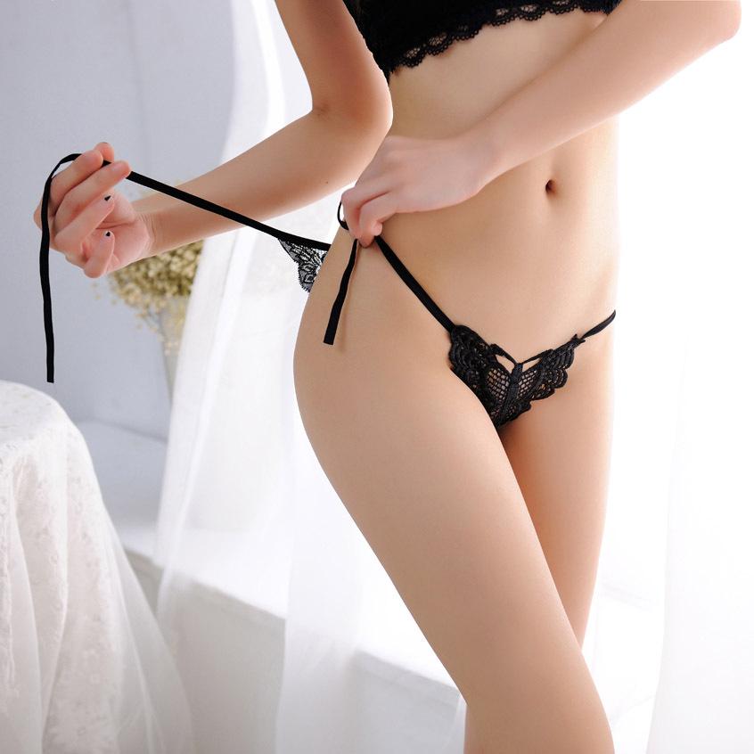 Ролики как девушки одевают нижнее бельё