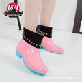 Women Rainboots Warm Plush Fashion Spring Rain Boots Slip resistant Lace up Rubber Floral Rain Boots