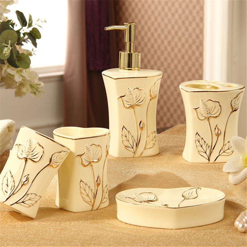 Luxury Bathroom Decoration New Europen Style Ceramic Bathroom Set Five Piece Set Bathroom