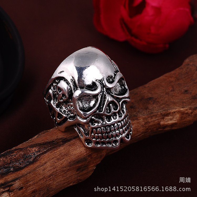 Free Shipping Skull Rings Men 2016 Hot Selling Retro Punk Sliver Plated Biker Ring Men Vintage Jewelry Statement Ring(China (Mainland))