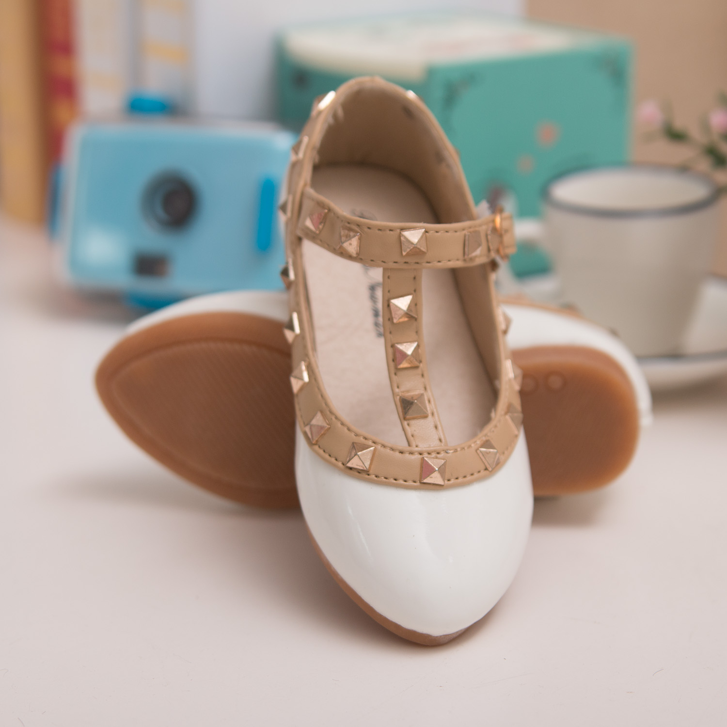 2016 Hot sale girls sandals shoes leather children girls princess shoes kids dancing flat shoes for girls rivet baby sandals(China (Mainland))