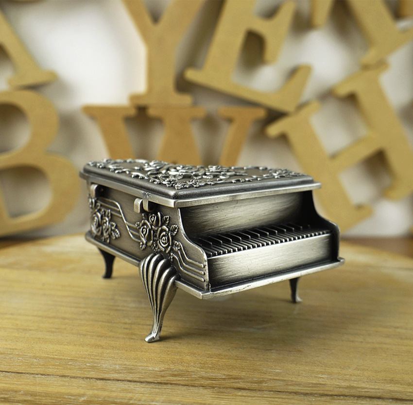 6x8.5x5 cm European Rose Carved Elegant Piano Shape Zinc Alloy White Metal Jewelry Box Storage Box Metal Box Makeup Organizer(China (Mainland))