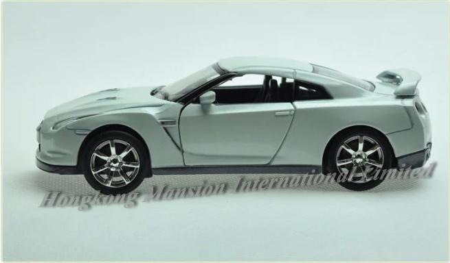 132 Nissan GT-R (12)