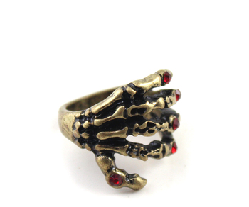 gold jewelry brand in Europe and America, the golden Punk Skull hand red flash drill ring (HF)