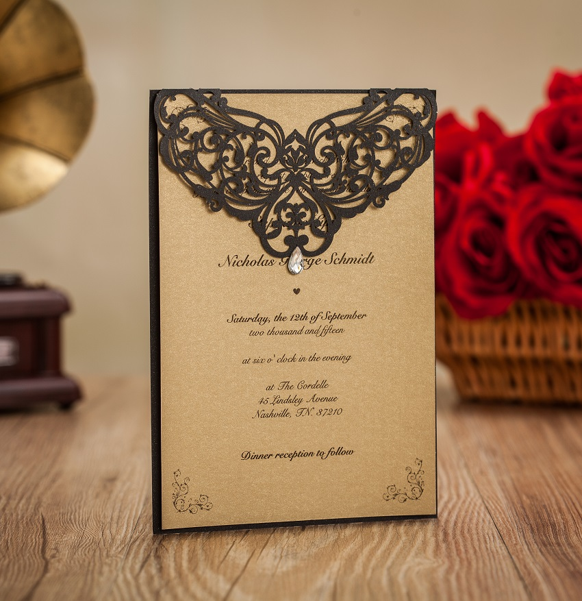 Luxury wedding invitation card gold wedding invitations for Luxury wedding invitations dubai