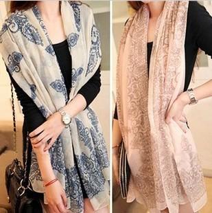 2016 горячая распродажа мода женщины элегантный ретро-синий и белый шифоновый шарф печать шелковый шарф бесплатная доставка 18008