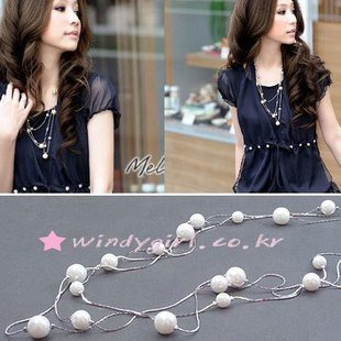Korean version of the pearl necklace Pearl three-tier necklace Three-tier pearl long necklace Sweater chain