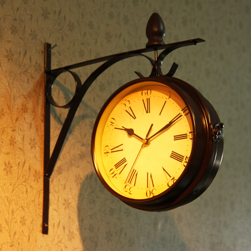 Rustic unique gift clok metal double faced wall clock on the wall kitchen(China (Mainland))