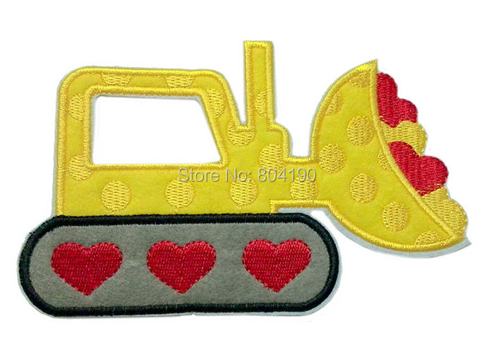 "6"" Valentines Day BullDozer Red Heart LOVE Iron On/Sew On Patch LARGE Tshirt TRANSFER MOTIF APPLIQUE Rock Punk Badge(China (Mainland))"